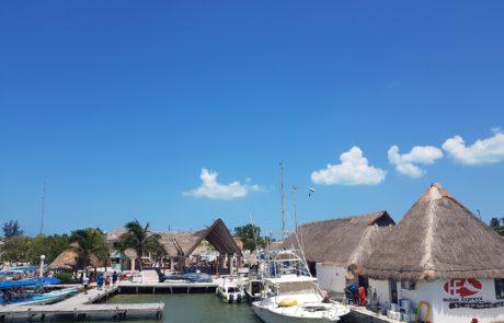 Am Hafen von Chiquilla, Mexiko