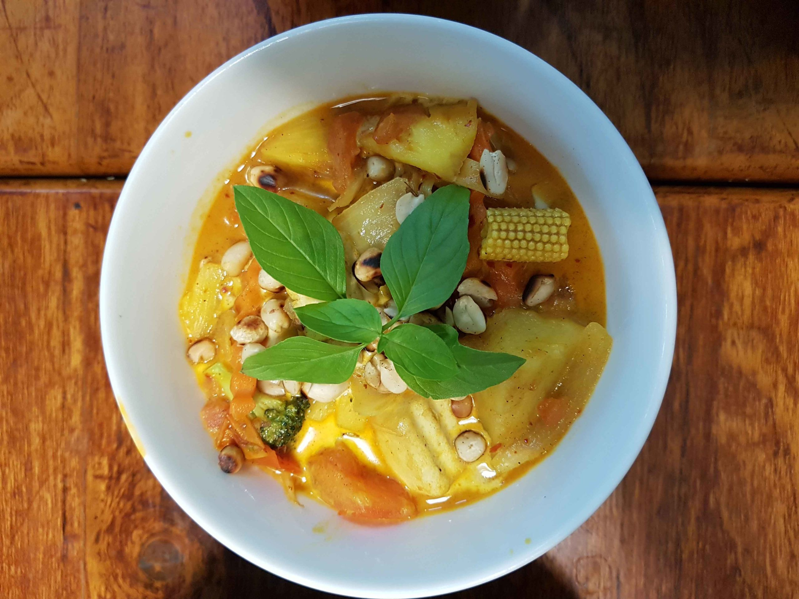 Massaman Curry mit Babymais in May Kaidee's Cooking School in Bangkok, Thailand