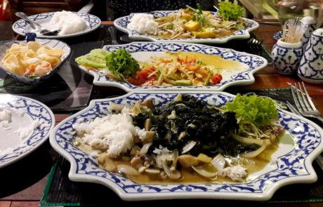 Gebratener Spinat vegan in Thailand Khao Lak