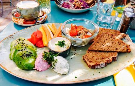 Ramasuri Frühstücksteller, Vegan Frühstücken in Wien